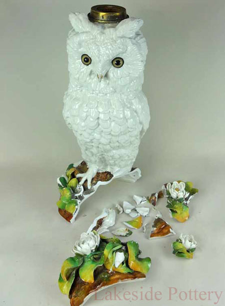 19th Century English porcelain owl oil lamp - broken